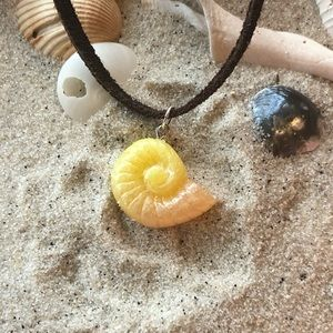 Orange and yellow Ursula shell chokers
